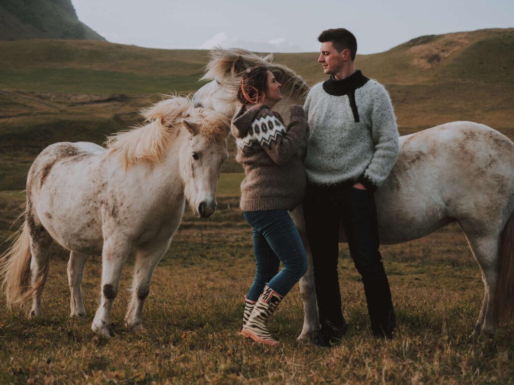pregnancy photoshoot with icelandic horses
