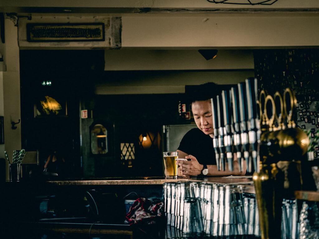solo travel photoshoot in reykjavik pub